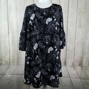Floral black and white flowy maternity dress